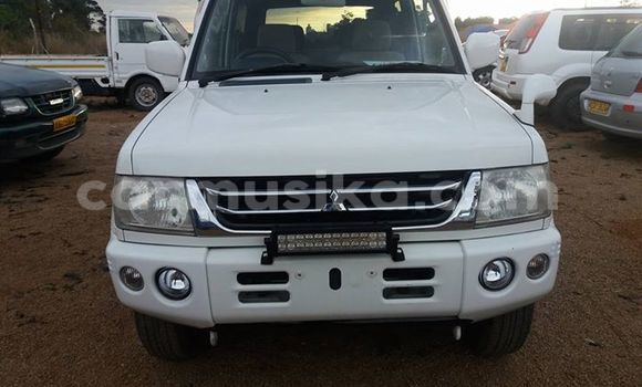 Buy Mitsubishi Pajero White Car in Alexandra Park in Harare