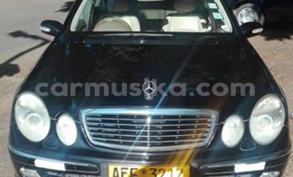 Buy Mercedes-Benz E-Class Black Car in Alexandra Park in Harare
