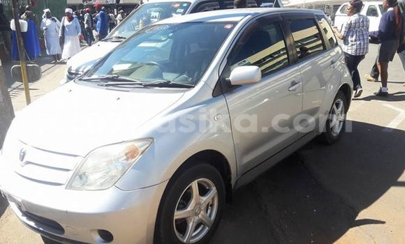 Buy Toyota IST Silver Car in Alexandra Park in Harare
