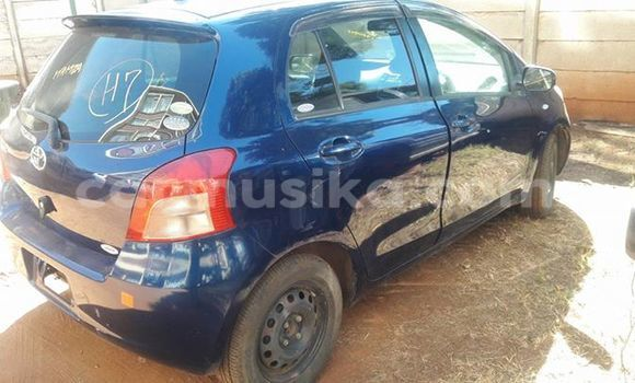 Buy Toyota Vitz Blue Car in Alexandra Park in Harare
